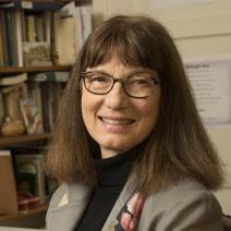 RS10250_Dr. Pamela Plimpton, Humanities, English, Faculty Profile